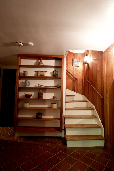 Basement-Stairway-to-Foyer-Area