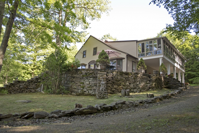 Front-Stone-Wall-and-House